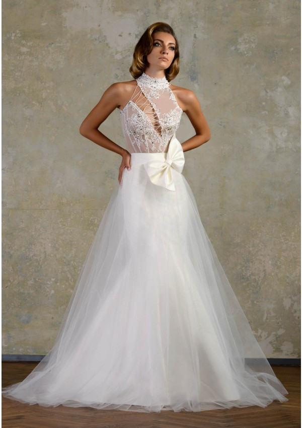 Simple A-line Halter Beading&Sequins Bow(s) Lace Sweep/Brush Train Tulle Wedding Dresses