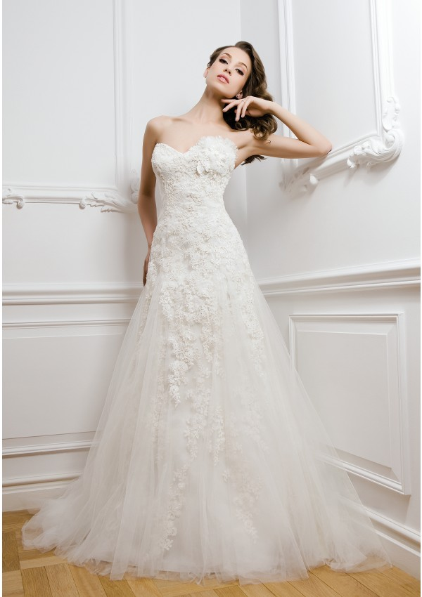 Elegant A-line Sweetheart Beading&Sequins Lace Sweep/Brush Train Tulle Wedding Dresses