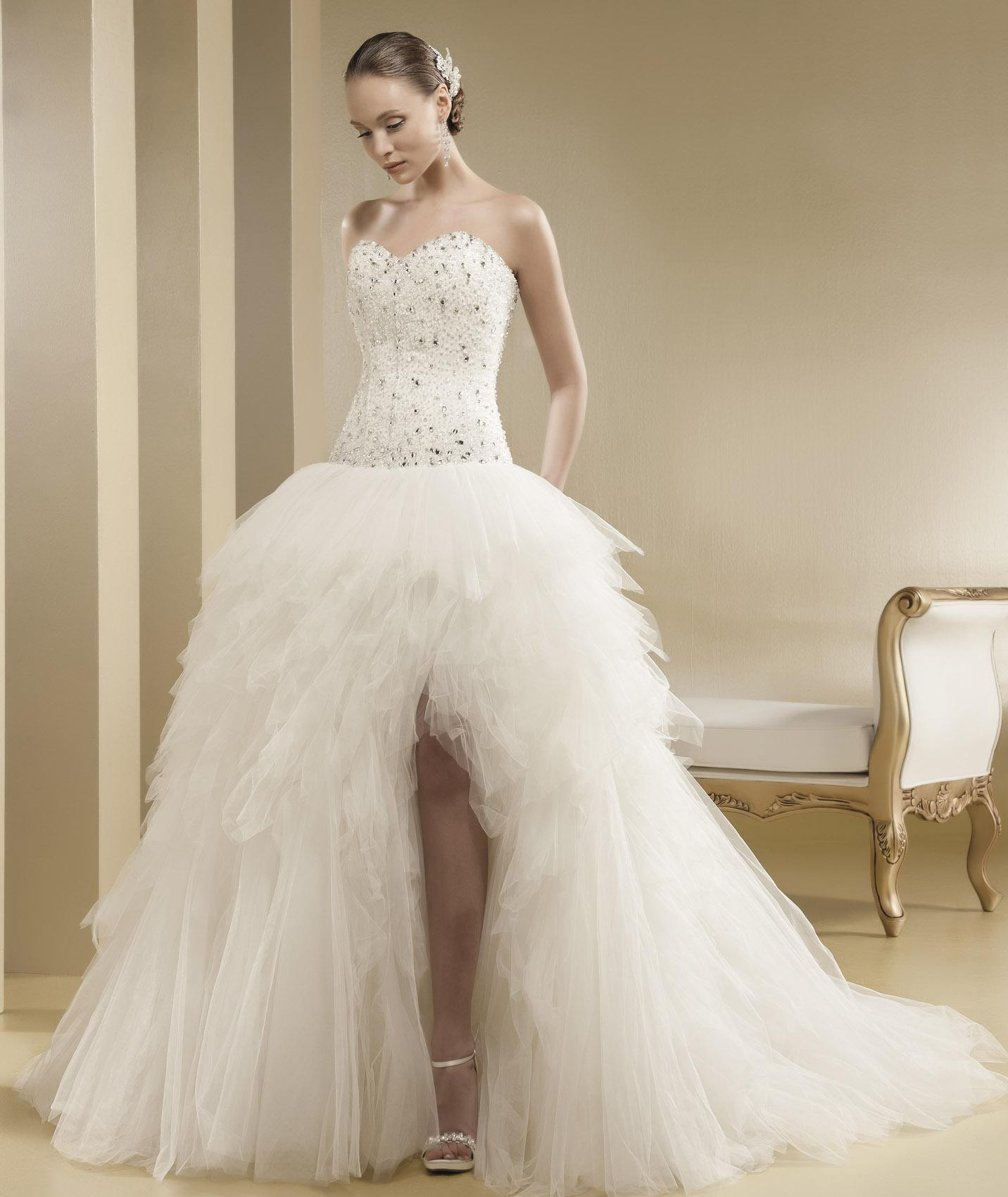 Charming Ball Gown Sweetheart Beading&Crystal Cascading Ruffles Sweep/Brush Train Tulle Wedding Dresses