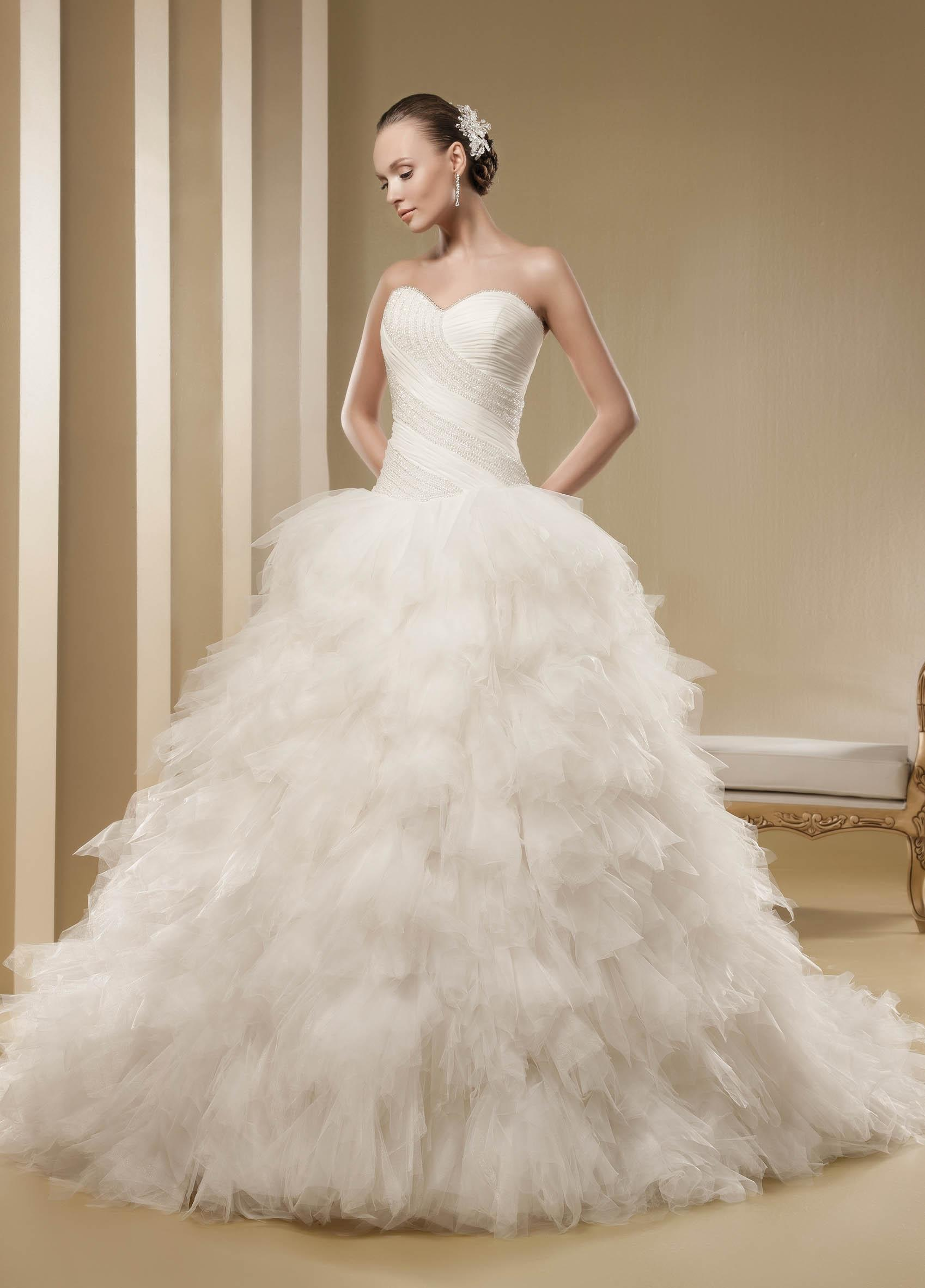 Charming A-line Strapless Beading Cascading Ruffles Sweep/Brush Train Tulle Wedding Dresses