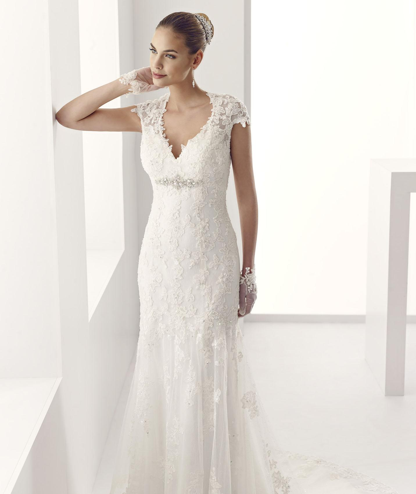 Elegant Sheath/Column V-neck Beading&Crystal&Sequins Sweep/Brush Train Lace Embroidery on Tulle Wedding Dresses