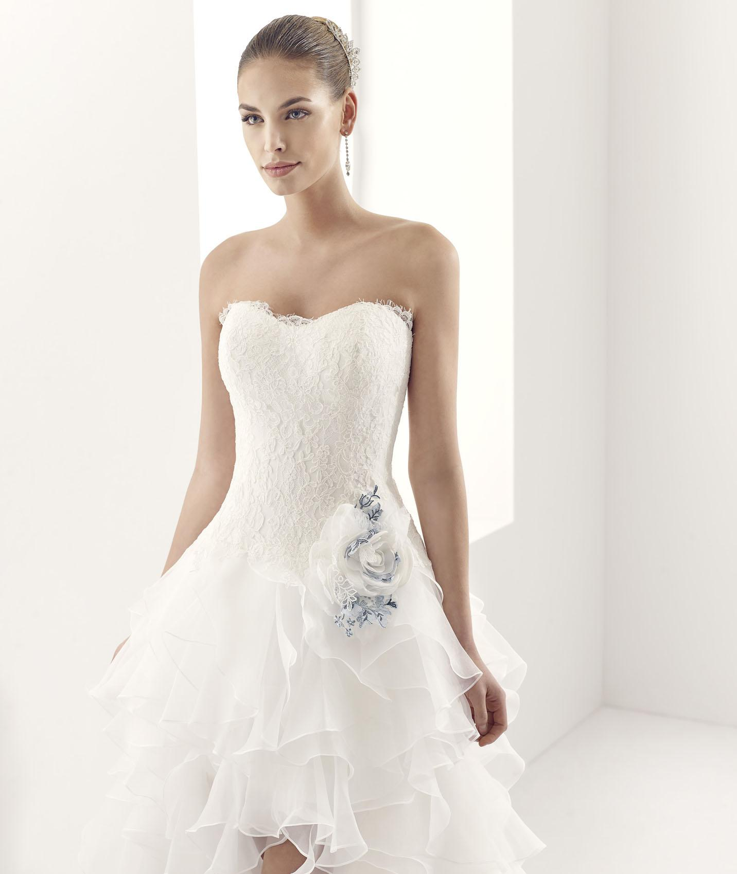 Simple Ball Gown Strapless Lace Flowers Sweep/Brush Train Organza Wedding Dresses
