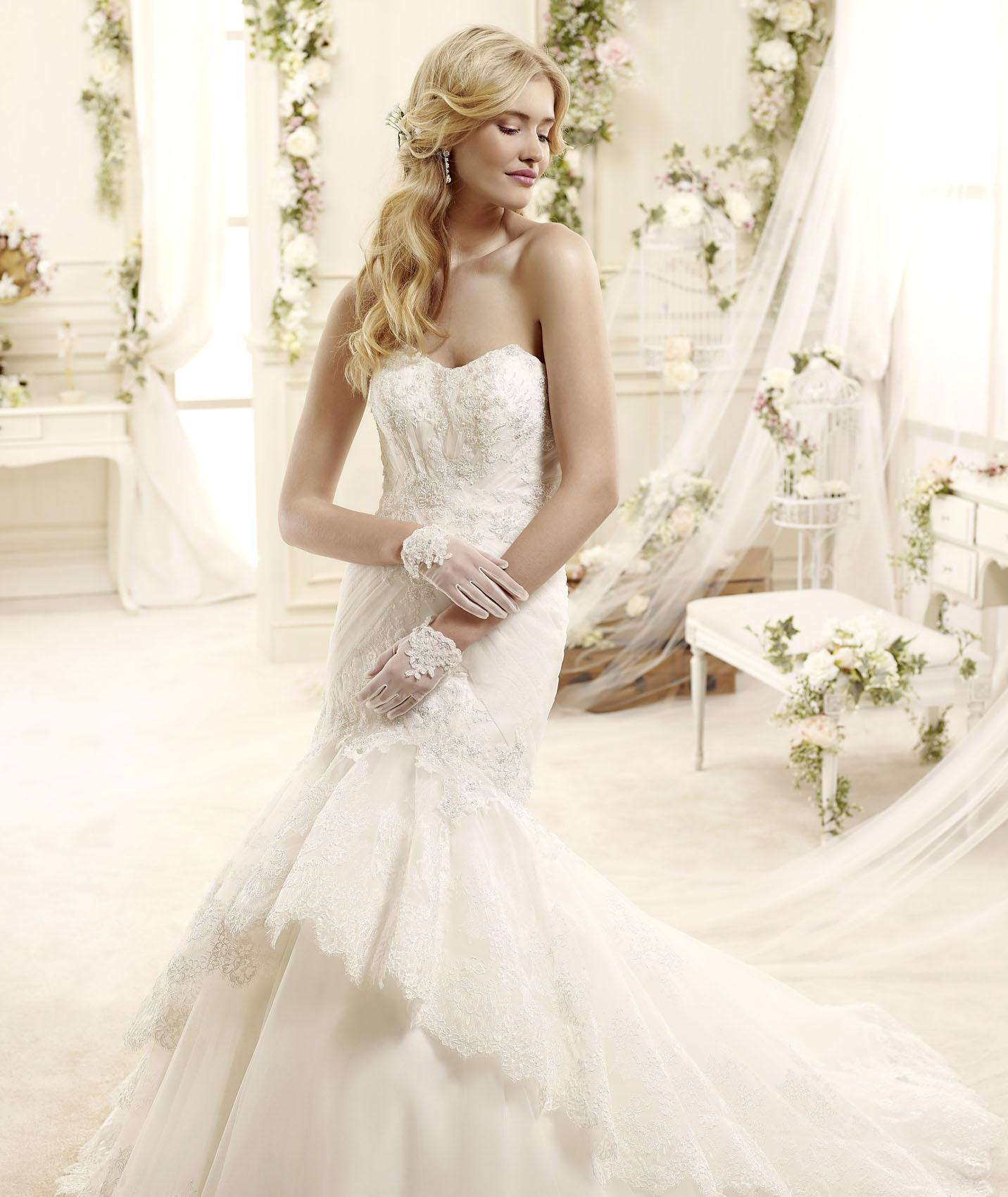 Sexy Trumpet/Mermaid Sweetheart Beading Lace Chapel Train Tulle Wedding Dresses
