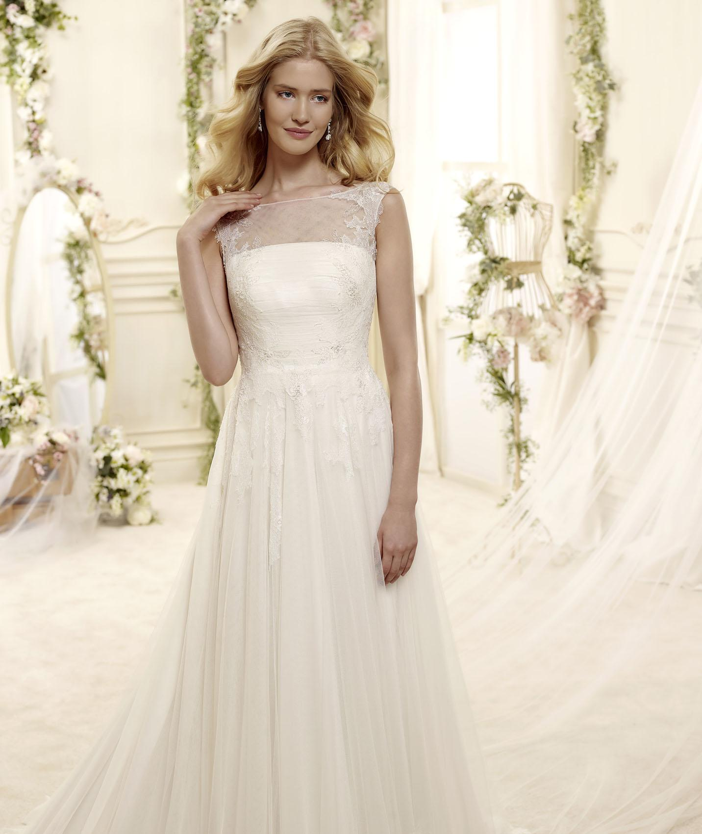 Simple A-line Bateau Lace Sweep/Brush Train Tulle Wedding Dresses