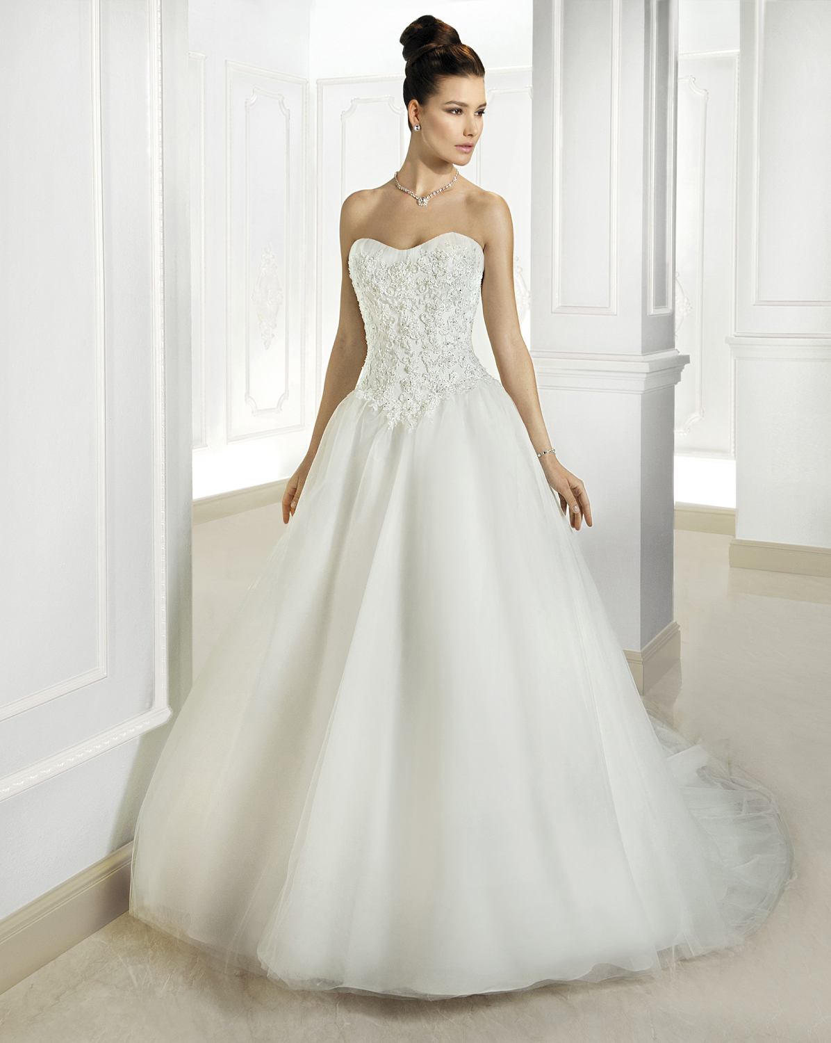 Simple A line Strapless Beading&Crystal&Sequins Lace Sweep