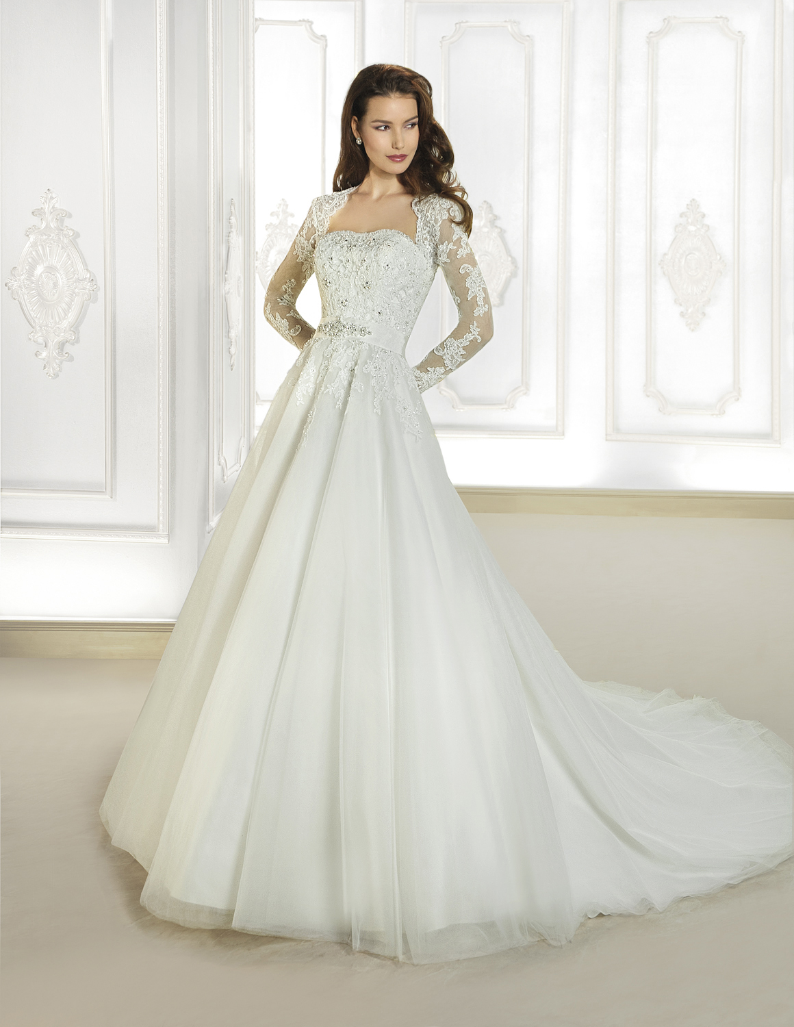 Charming A-line Square Beading&Crystal&Sequins Lace Sweep/Brush Train Tulle Wedding Dresses
