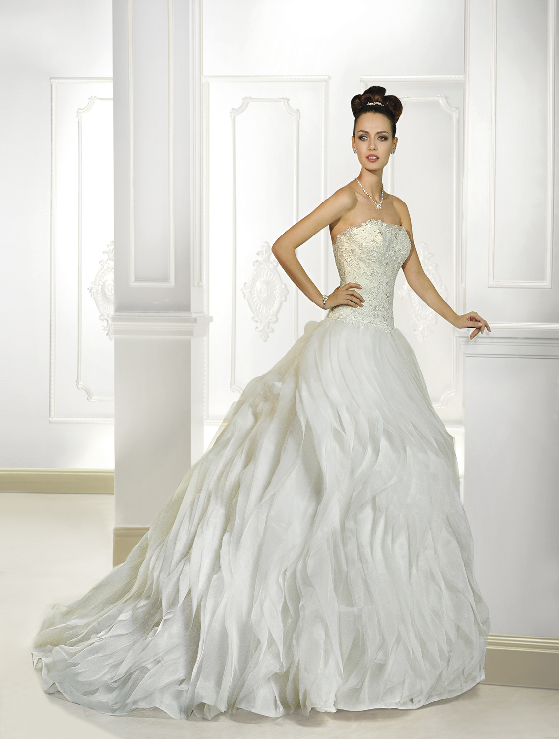 Exquisite A-line Strapless Beading&Sequins Lace Sweep/Brush Train Organza Wedding Dresses