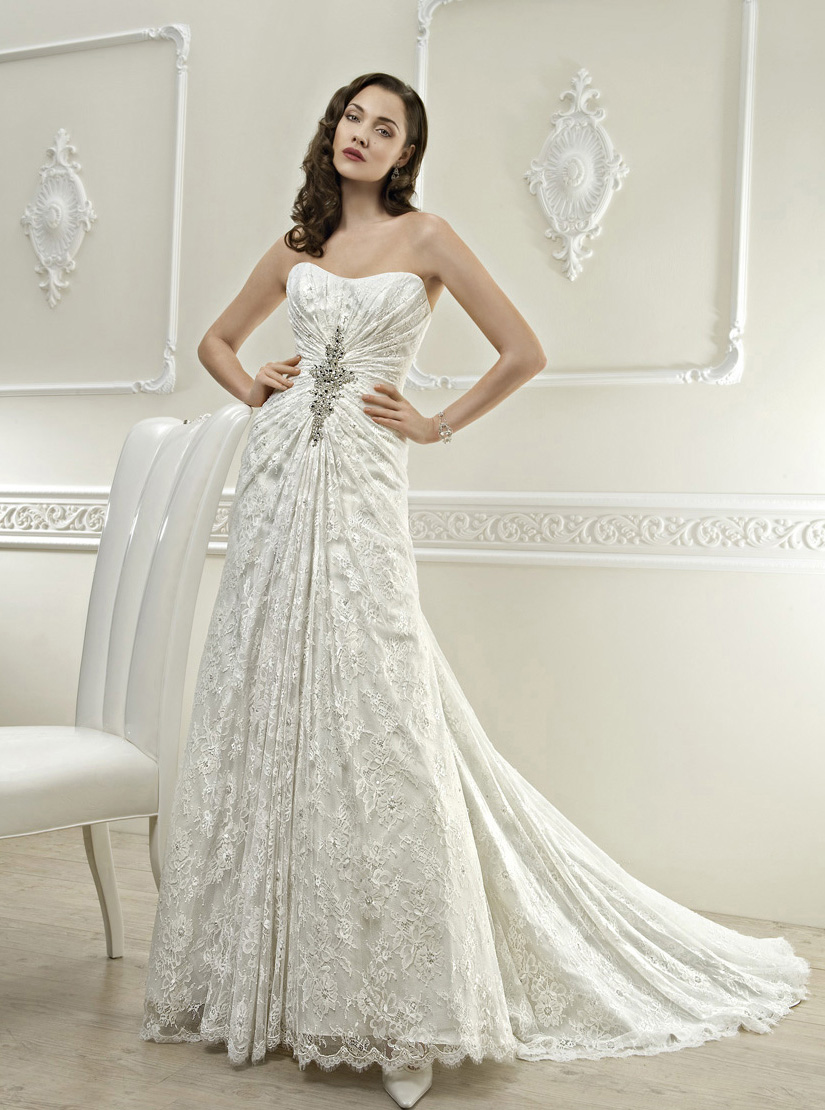 Elegant A-line Strapless Beading&Sequins&Crystal Lace Sweep/Brush Train Wedding Dresses