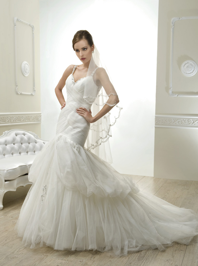 Exquisite Trumpet/Mermaid Straps Beading&Crystal Chapel Train Tulle Wedding Dresses