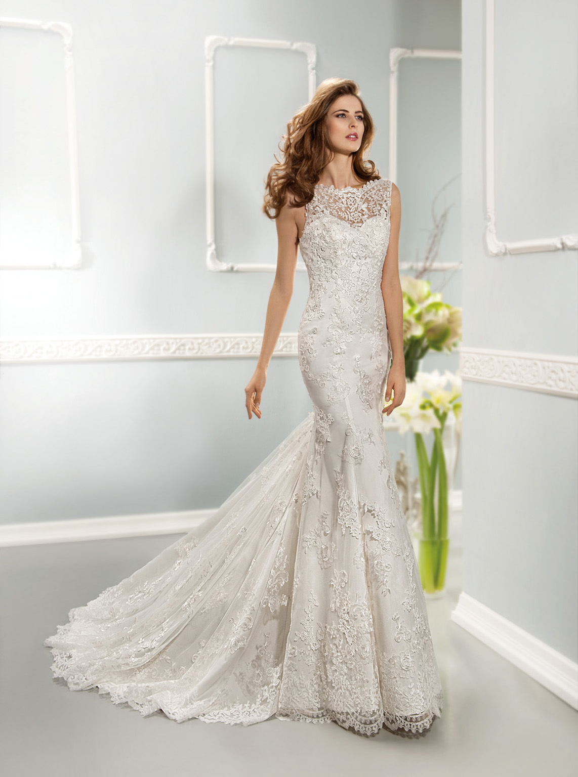 Sexy Trumpet/Mermaid Straps Lace Sweep/Brush Train Tulle Wedding Dresses