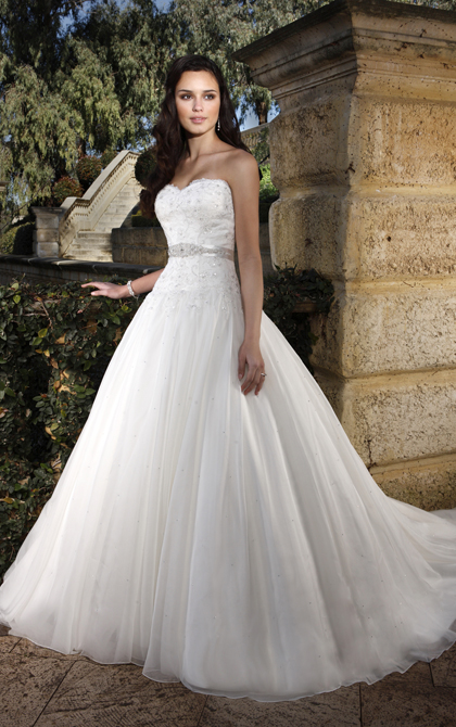 Sexy A-line Sweetheart Beading&Sequins Lace Sashes/Ribbons Chapel Train Tulle Wedding Dresses